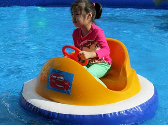 Water inflatable bumper cars for kids