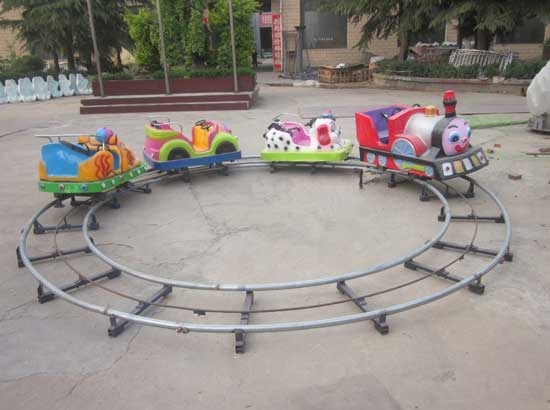 Small track trains for shopping mall use